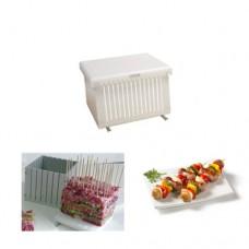 Cubo professionale tagliaspiedini in polietilene, adatto al contatto alimentare, dimensioni del cubo 170x170x180 mm, n. di spiedini 64