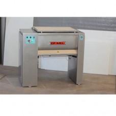 Macchina impastatrice costruita interamente in acciaio inox, dimensioni 1025x495x975h mm modello IM 50